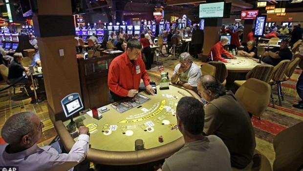 roulette vs slots odds